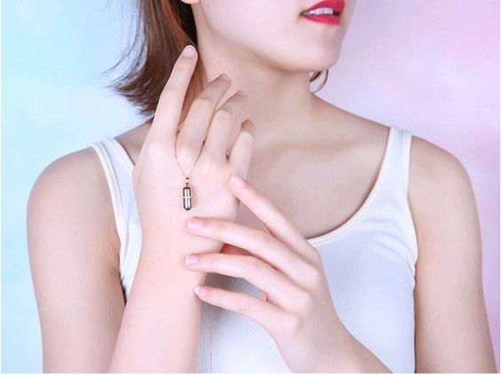 عکس گردنبند زنانه دوستت دارم به صد زبان دنیا طرح کپسول 10076 - انواع مدل گردنبند زنانه دوستت دارم به صد زبان دنیا طرح کپسول 10076