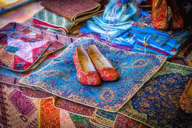 صنایع دستی ایران یکی از قطب های اصلی صنایع دستی جهان